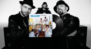 FÜNF STERNE DELUXE feat. TOYTOY plays SILLIUM